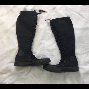 Women's Converse  Knee High Shoes Size 6.